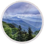 The Mountains Of Great Smoky Mountains National Park Round Beach Towel
