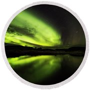 The Northern Lights Thingvellir Round Beach Towel
