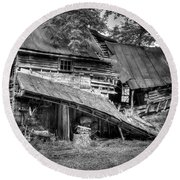 Round Beach Towel featuring the photograph The Old Homestead by Douglas Stucky