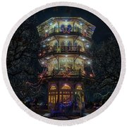 The Pagoda At Christmas Round Beach Towel