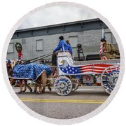 The Patriotic Soldier Carriage Round Beach Towel