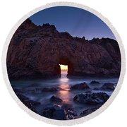 The Portal - Sunset On Arch Rock In Pfeiffer Beach Big Sur In California. Round Beach Towel