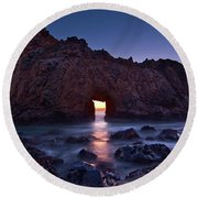 The Portal - Sunset On Arch Rock In Pfeiffer Beach Big Sur In California. Round Beach Towel