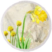 The Promise Of Spring - Daffodil Round Beach Towel