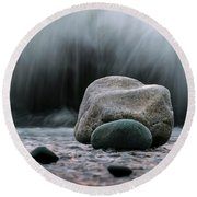 The Rocks At The End Of Hastie Road Round Beach Towel