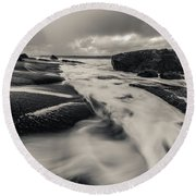 The Rush Of The North Sea Round Beach Towel