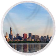 The Skyline Of Chicago At Sunrise Round Beach Towel