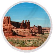 The Three Gossips Round Beach Towel