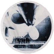 The Titanic's Propeller In The Thompson Graving Dock Of Harland And Wolff, Belfast Round Beach Towel