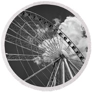 The Wheel And Sky In Black And White Round Beach Towel