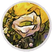 The White Rose With The Eye And Gold Petals Round Beach Towel