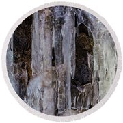 Thick Icicles Round Beach Towel