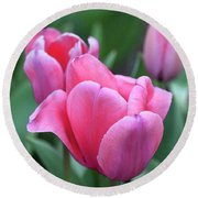 Think Pink In Watercolor Round Beach Towel