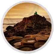 Thinking Throne Round Beach Towel