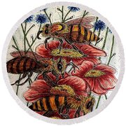 Three Busy Bees Round Beach Towel