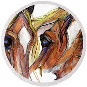 Three Horses Talking Round Beach Towel