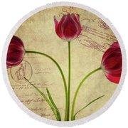 Three Tulips Letter Round Beach Towel