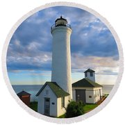 Tibbetts Point Lighthouse In June Round Beach Towel