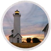 Tibbetts Point Lighthouse, July Sunset Round Beach Towel