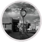 Time In Alturas Round Beach Towel