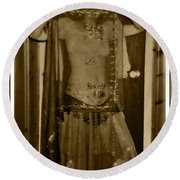 Round Beach Towel featuring the photograph Tiny Dancer by Denise Fulmer