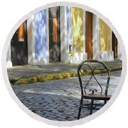 To Sit In Old San Juan Round Beach Towel