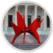 Toledo Museum Of Art With Alexander Calder 1973 'stegosaurus' II Round Beach Towel