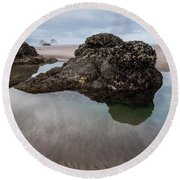 Tolovana Beach At Low Tide Round Beach Towel