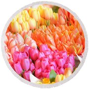 Tons Of Tulips Round Beach Towel