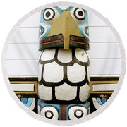 Totum Pole Round Beach Towel