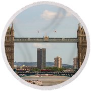 Tower Bridge C Round Beach Towel