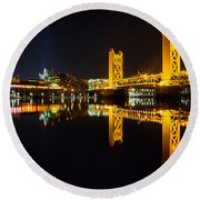 Tower Bridge Sacramento Round Beach Towel