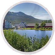 Town Square By The Pond At Waterville Valley Round Beach Towel