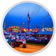Tractor Pull At The County Fair Round Beach Towel