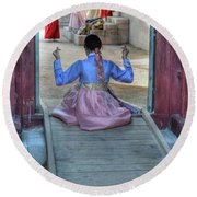 Traditional Clothes In Korea Round Beach Towel