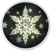 Traditional Sunlight Snowflakes Round Beach Towel
