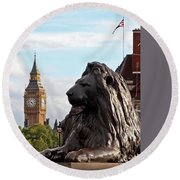 Trafalgar Square Lion With Big Ben Round Beach Towel