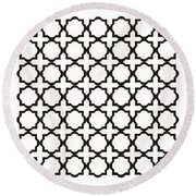 Black And White Quatrefoil Pattern Round Beach Towel