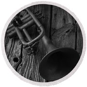 Trumpet In Black And White Round Beach Towel