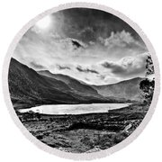 Tryfan And Llyn Ogwen Round Beach Towel