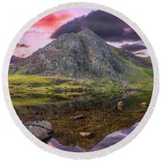 Round Beach Towel featuring the photograph Tryfan Mountain Sunset by Adrian Evans