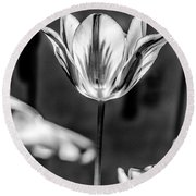 Tulip In B And W Round Beach Towel
