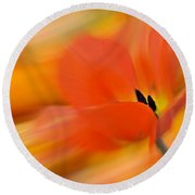 Tulip In Motion Round Beach Towel