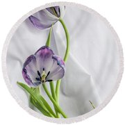 Tulipa And Her Lover Julien Round Beach Towel