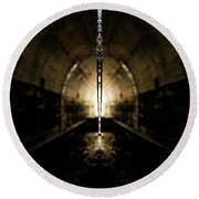 Tunnel Icicle Round Beach Towel
