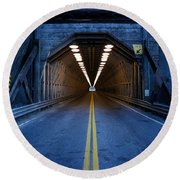 Tunnel Near Ential Washington Round Beach Towel