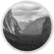 Tunnel View Bw Round Beach Towel