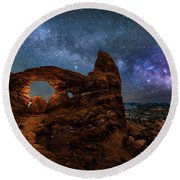 Turret Arch Under The Milky Way Round Beach Towel