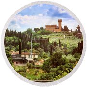 Tuscan Fields And Old Castle In Florence Round Beach Towel