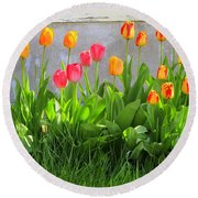 Twenty-five Tulips Round Beach Towel